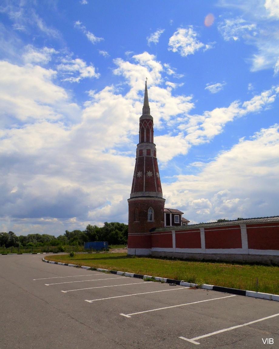 Башни Старо-Голутвина монастыря