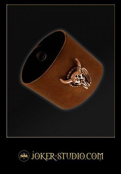 КОЖАНЫЙ БРАСЛЕТ С ИНДЕЙСКИМ ТОТЕМОМ И РИТУАЛЬНЫМИ МЕЧАМИ ЧЕРЕП БИЗОНА ~ ШАМАН ~ http://www.joker-studio.com