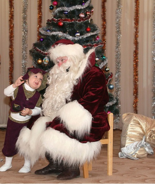Дед Мороз поздравит Вашего малыша с Новым Годом.