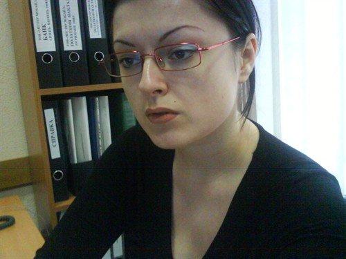 озвучиваю политику партии)