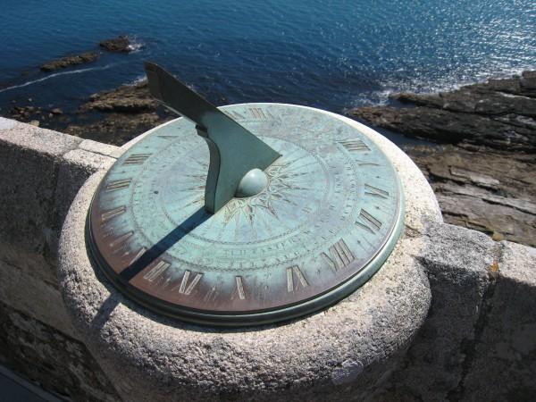 Солнечные часы на горе св. Михаила, Англия