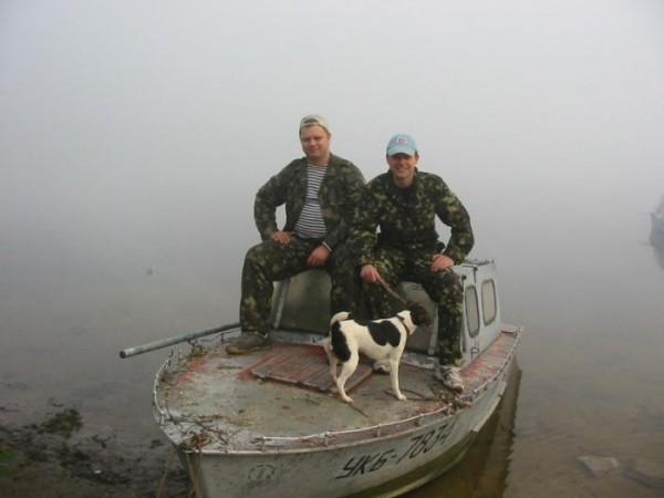 Двое в лодке и собака!