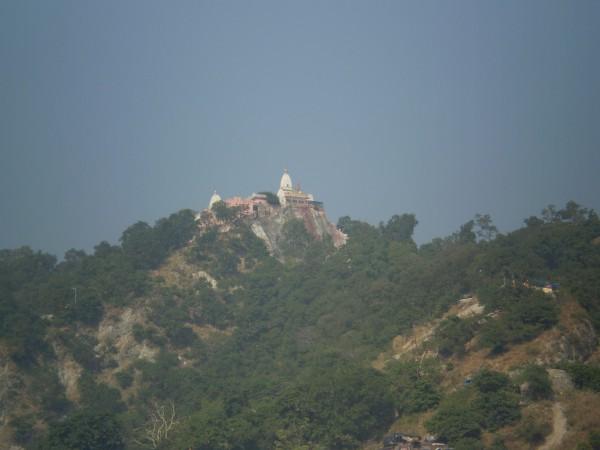 Индуистский храм на вершине)