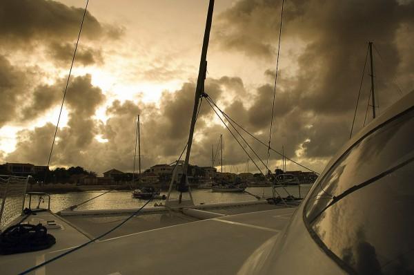 Путешествие к морю. Яхта, море и закат
