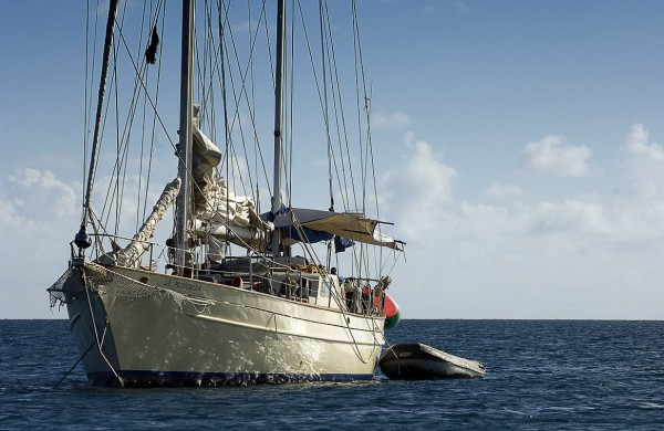 Путешествие к морю. Парусник и лодка