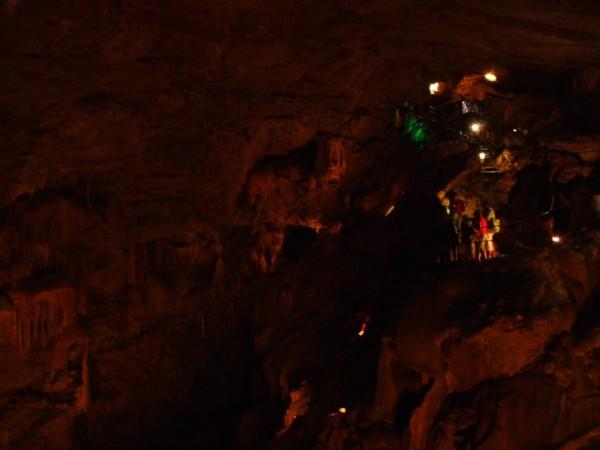 Толянва пещера )