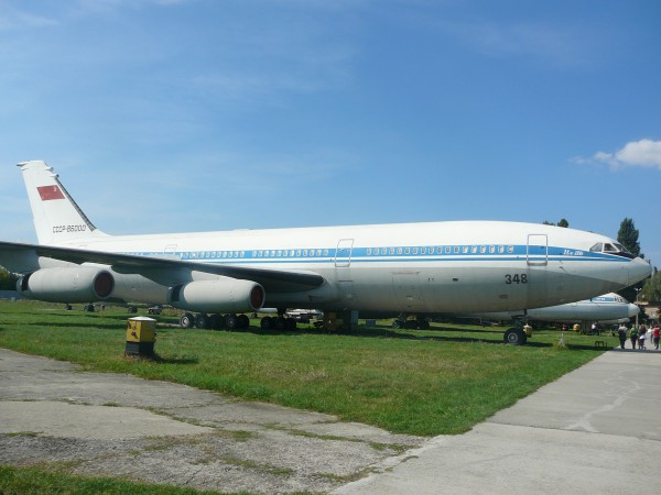Радянський аеробус Іл-86, випущений на лінії в кінці 80-х