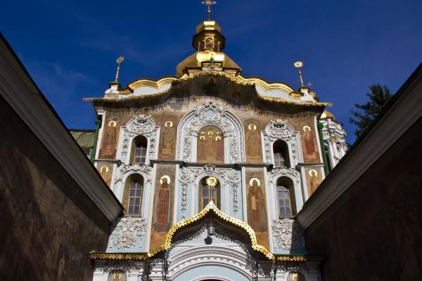 Троицкая надбрамная церковь 1106 г.