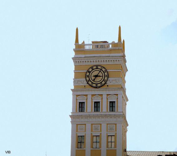 Часы на башне вокзала