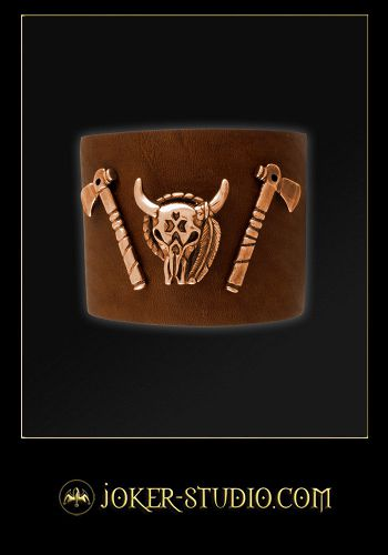 КОЖАНЫЙ БРАСЛЕТ С ТОТЕМОМ БИЗОНА И ИНДЕЙСКИМИ ТОМАГАВКАМИ http://www.joker-studio.com