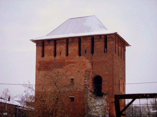 Одинокая башня