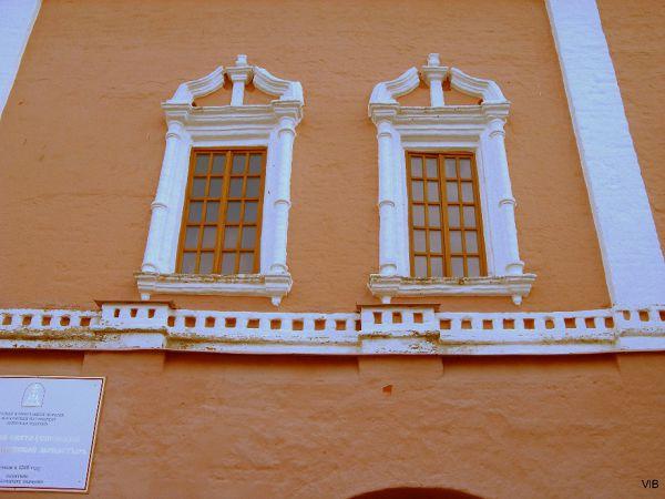Окна Сретенской надвратной церкви