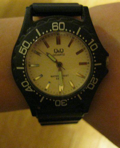 Объявление о продаже Часы QQ quartz мужские новые японские черные спорт в Москве на Avito. кварцевые