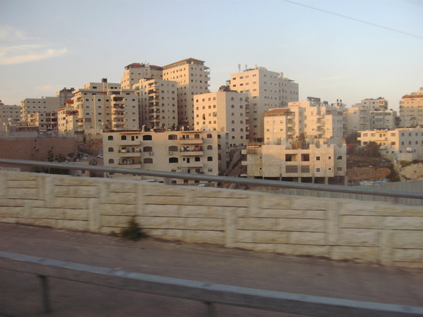 За забором арабские территории