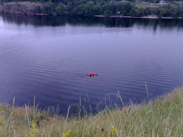 Червона лодочка.
