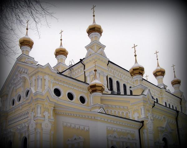 Храм Озерянской Божьей матери