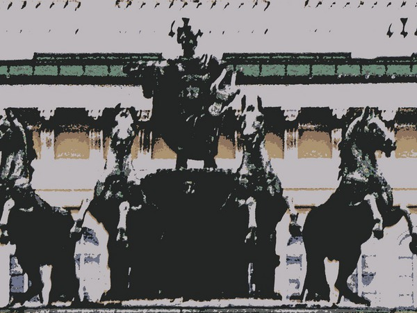 Колесница на входе в Александринский театр