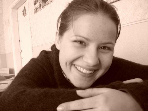 улыбнитесь вас снимают :)