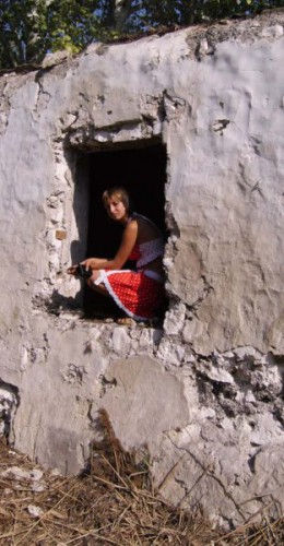 Куда я попала и где мои вещи....руины какие-то... где я вообще нахожусь???