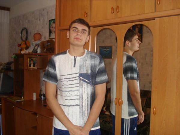 хороший:))))