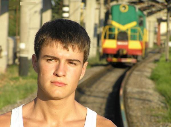 Я же предупреждала: Сережа,поезд!!!Ты же не Анна Коренина...ЁЁЁЁЁ