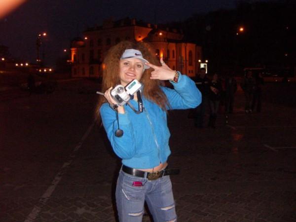 я всегда с собой беру видеокамеру!!!))))