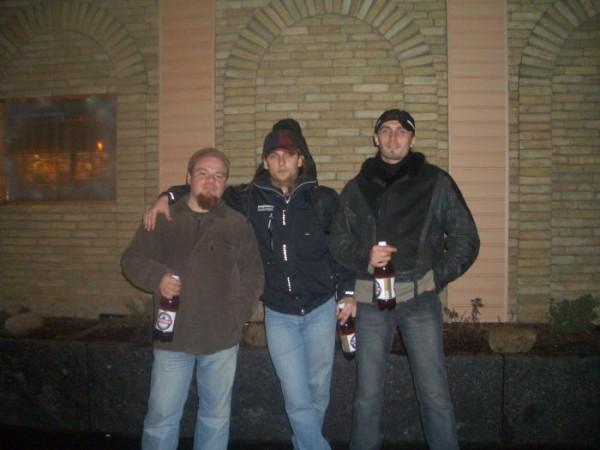 Пожираем пиво после репы!!!