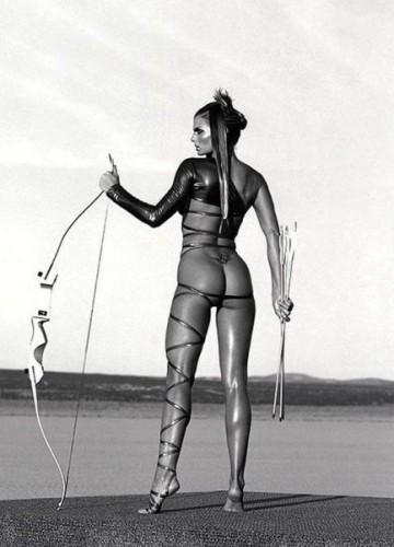 Женщина словно оружие, сколь бы не была прекрасна, всегда опасна!