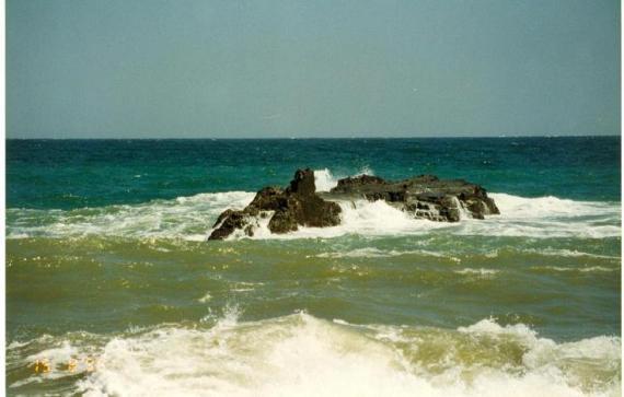 """""""Крокодил""""...На этом камне люблю загорать. Только я и море..."""