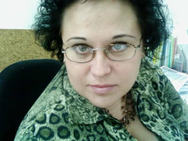 Для того чтобы носить очки мало быть умным, надо еще и плохо видеть :))))))))))) (с)