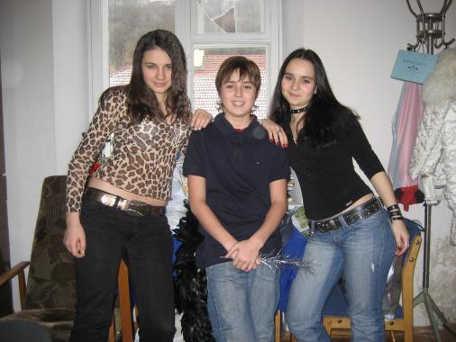 Лена,Сережа,Юля (с лева на право)