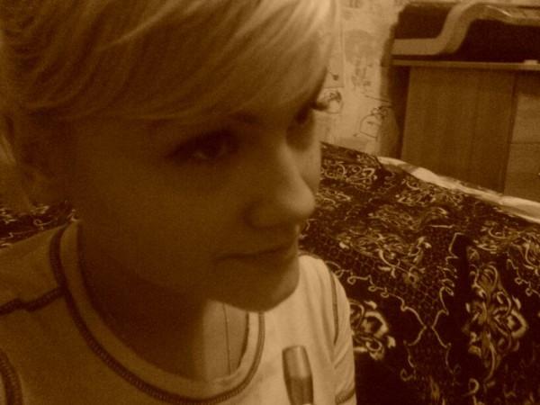 блондинка думала и темнела...))))
