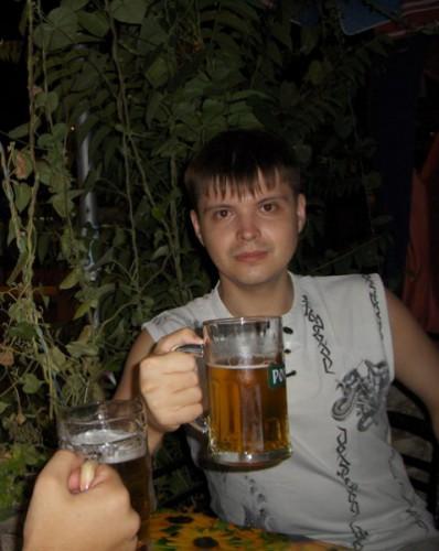 Алушта... потные девочки, но холодное пиво :)