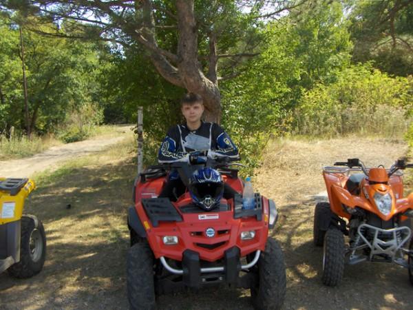 На квадроцикле по крымским горам