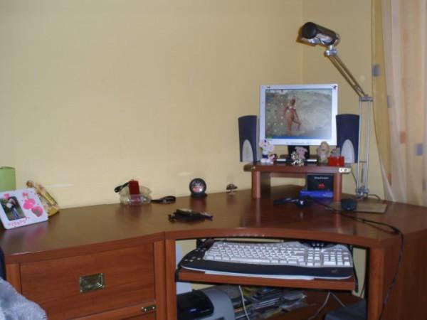 именно за этим столом происходит всё самое интересное.............общение с вами БМ-ровцы!
