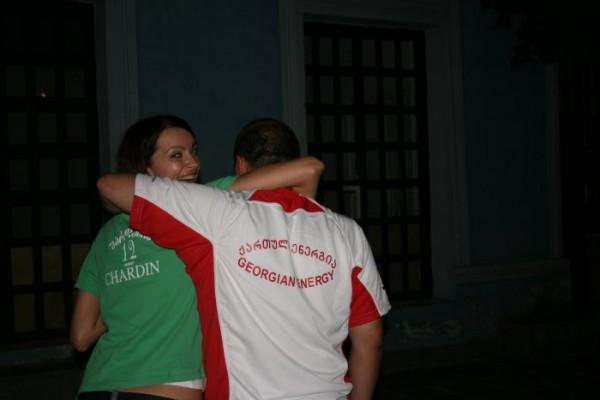 с кого сняли эту зеленую футболку не знаю, но я ее привезла как подарок))))))