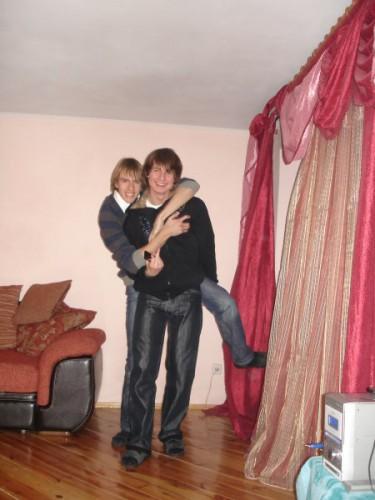 Тримай мене брате,ноги хочуть танцювати..))))