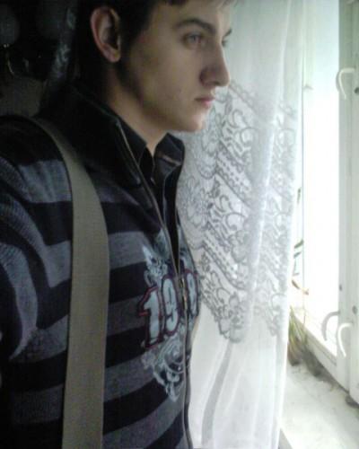 дебільна поГода...коли не гляну у вікно...все шось мокре.....фе....хаТю щоб було хоча б сухо на дворі))))))