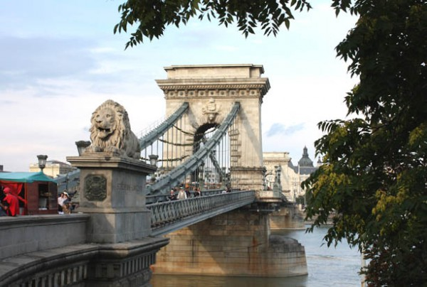Бдапешт. Цепной мост (Мост Сечени) http://ghost-like.blogspot.com/2009/09/blog-post_25.html