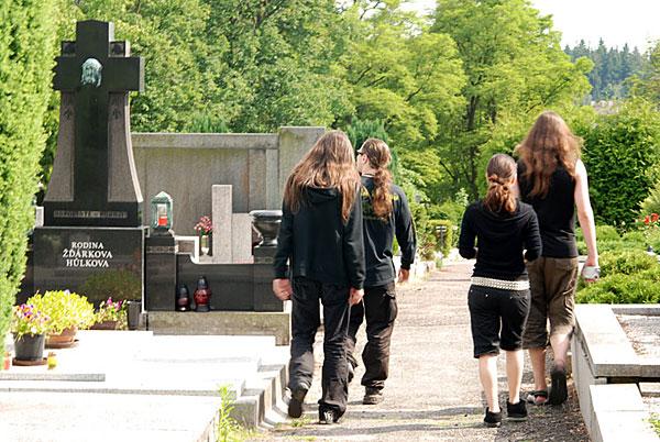 на кладбище Cerveny Kostelec, Czech Republic 20/06/2008