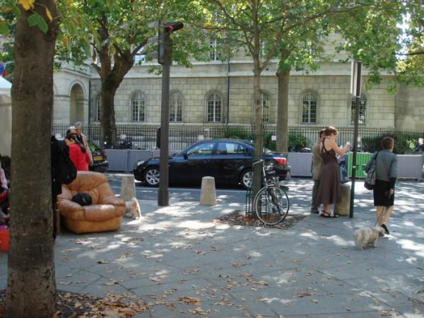 блошиный рынок в центре Парижа