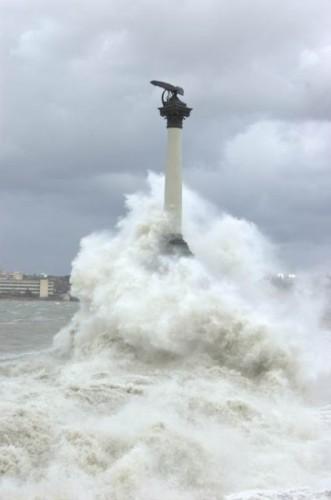 Шторм в Севастополе 11 ноября 2007года