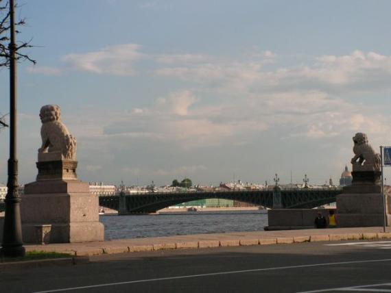 Манчжурские львы и Троицкий мост