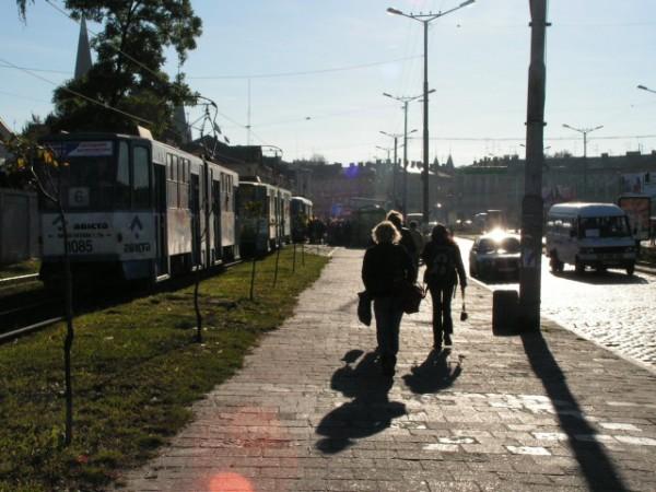 Один із символів Львова - львівські трамвайчики