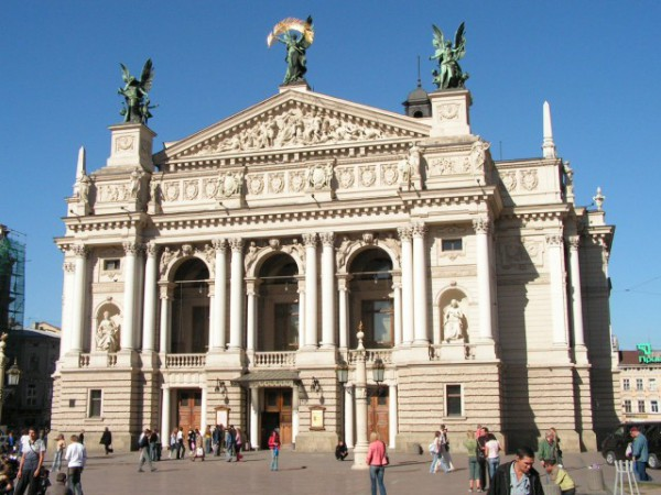 Мабуть найвідоміша пам'ятка Львова - Оперний театр