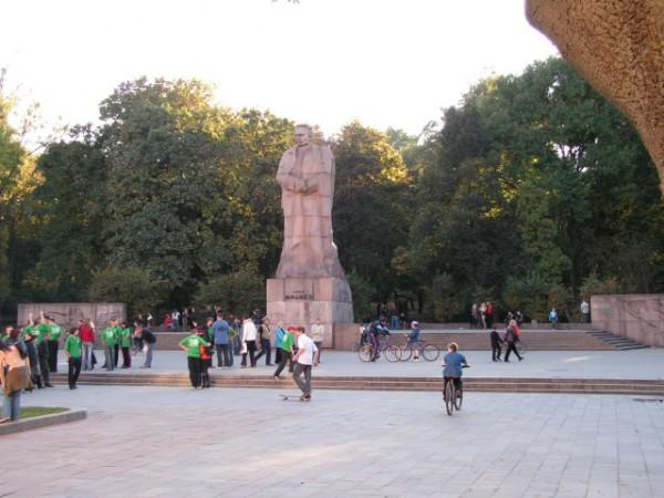 Пам'ятник Івану Франку (у парку Франка біля університету Франка :) )