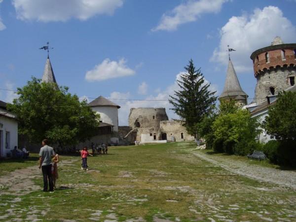 Внутренний двор старой крепости