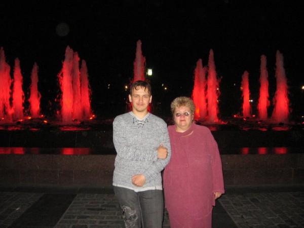 Я с Мамулей на Поклонной горе в Москве
