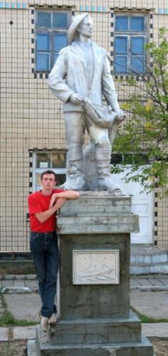 Памятник непьющему рыбаку в Вилково (устье Дуная)