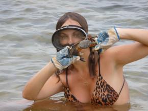 Мы с мужем отдыхали в Севастополе и ловили крабов.